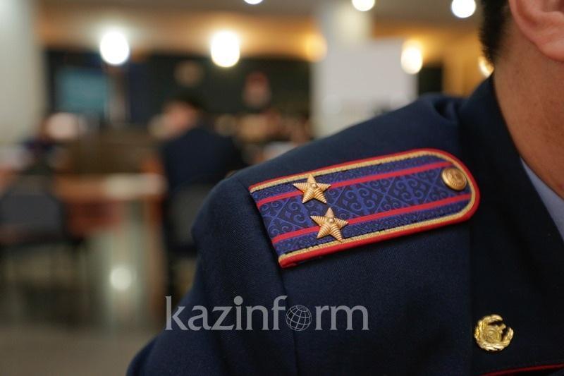 Qostanaıda polıtseıdiń paramen ustalýyna baılanysty departament túsinik berdi
