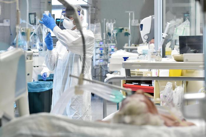 COVID-19: Italy records 4,845 new cases, 27 deaths, ANSA