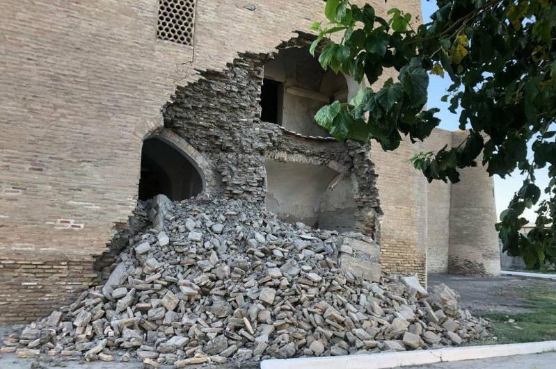 Бұхарада іргесі XVIғасырда қаланған медресенің қабырғасы құлады