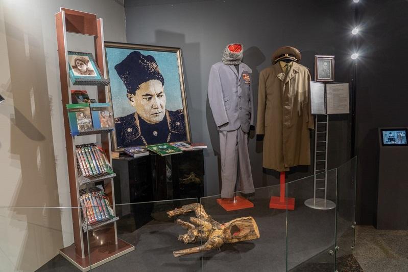 Московская школа имени Момышулы подготовила выставку о подвиге панфиловцев