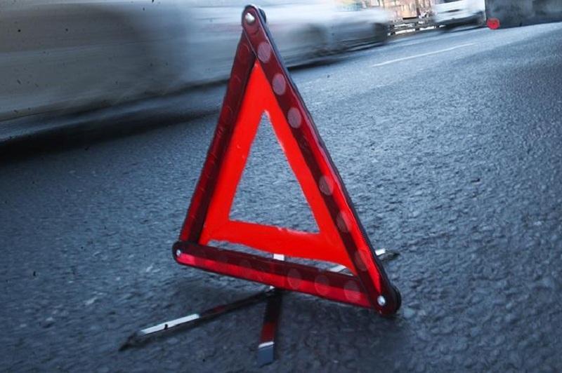 Подростки на мопеде попали в аварию в Павлодарской области
