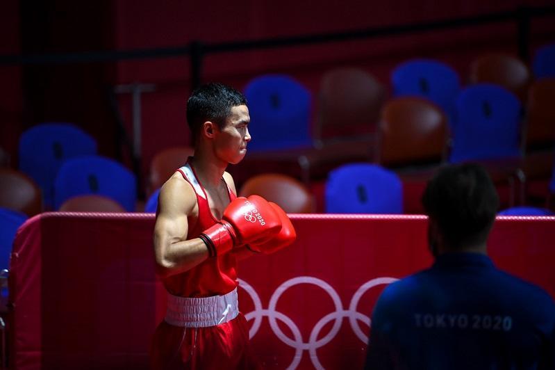 Пятая медаль Казахстана на Олимпиаде-2020: Боксера Сакена Бибосынова оставили с «бронзой»