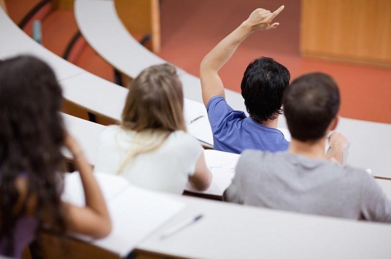 Казахстанцы могут бесплатно обучаться в десяти странах - Минобразования