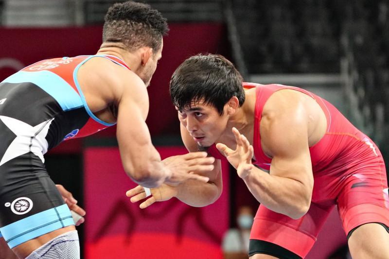 Борец-вольник Даулет Ниязбеков стартовал с победы на Олимпиаде