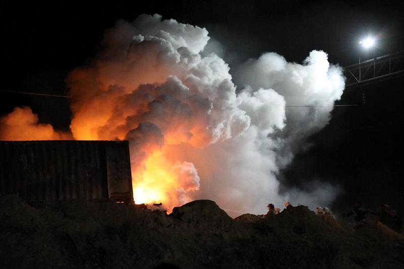 Пожар в Арыси: эвакуированным жителям микрорайона Наурыз разрешили вернуться в дома