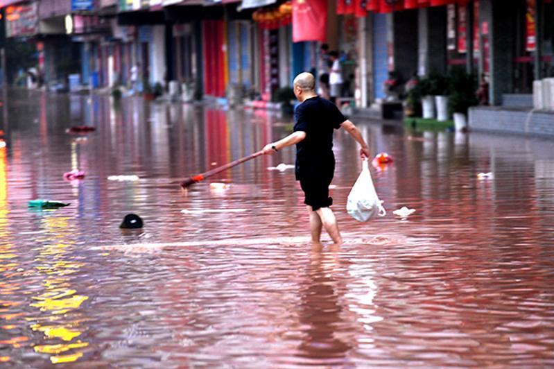 Хитойнинг Сичуань провинциясида кучли ёмғир туфайли 7000 дан ортиқ одам эвакуация қилинди