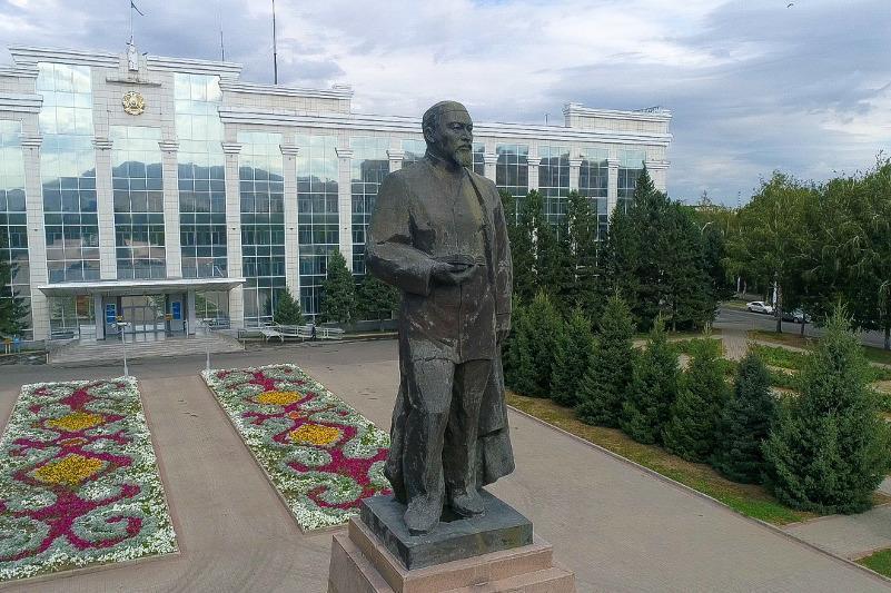 E Kazakhstan marks Abai Day