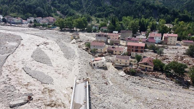 Число жертв наводнений в черноморском регионе Турции достигло 44