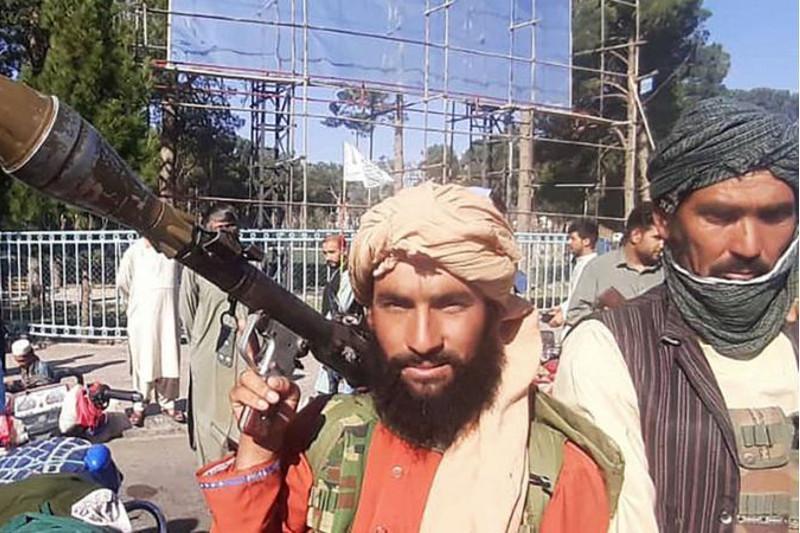 阿富汗塔利班攻占贾拉拉巴德 进一步逼近首都喀布尔