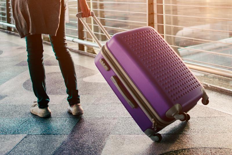 Оставшаяся в аэропорту Анталии 15-летняя девочка благополучно вернулась в Казахстан