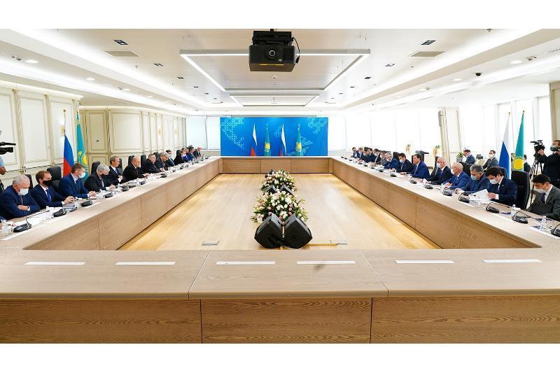阿斯哈尔·马明会见俄罗斯联邦政府总理