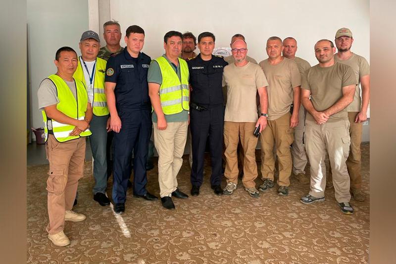 Казахстанские спасатели завершили свою миссию по тушению лесных пожаров в Турции