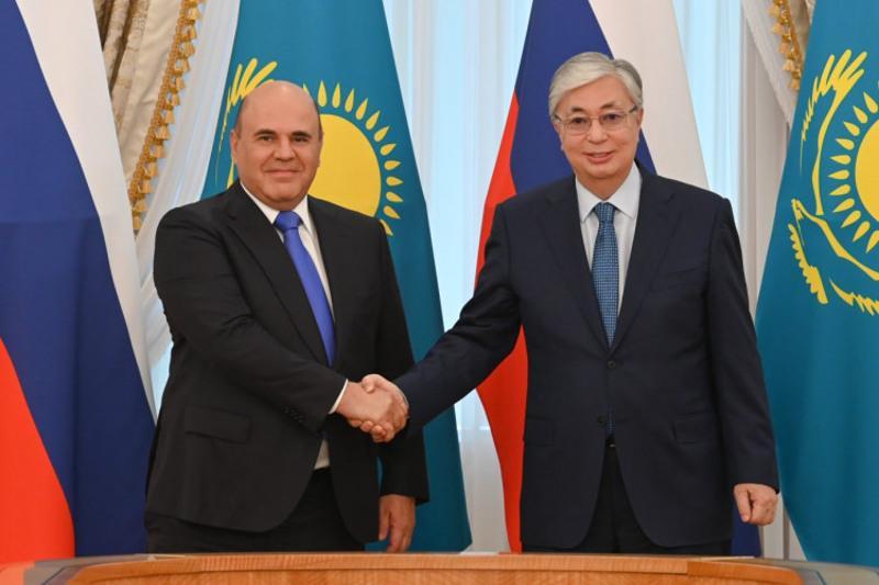 托卡耶夫总统会见俄罗斯总理米舒斯京