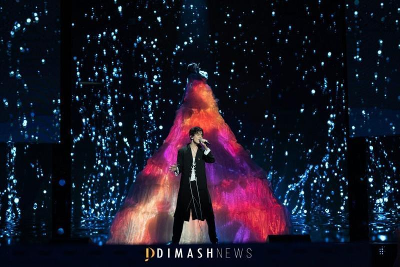 Dimash performs at the opening of New Wave 2021