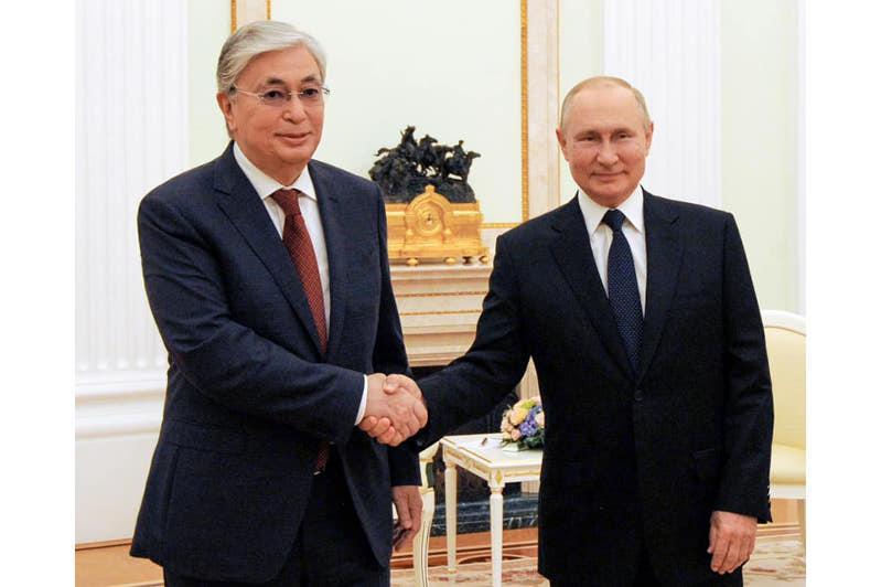 Қасым-Жомарт Тоқаевтың Ресей Президенті Владимир Путинмен екіжақты кездесуі басталды