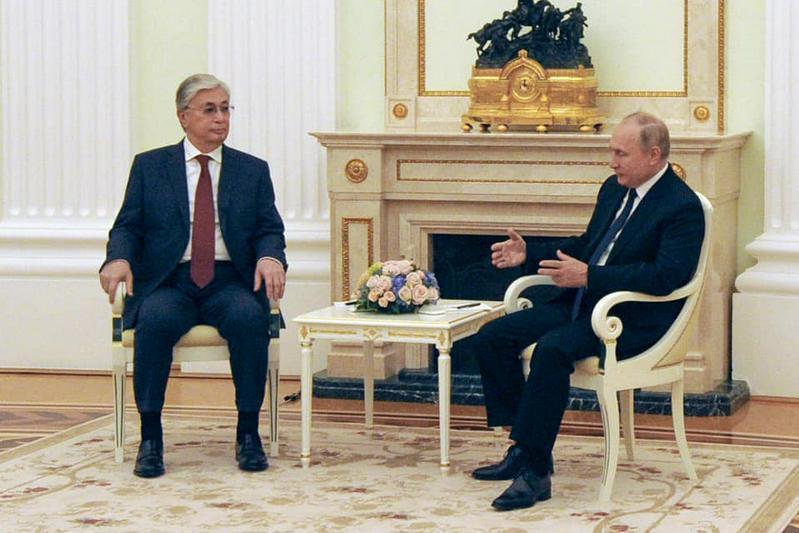 简讯:哈俄两国总统在莫斯科举行会晤