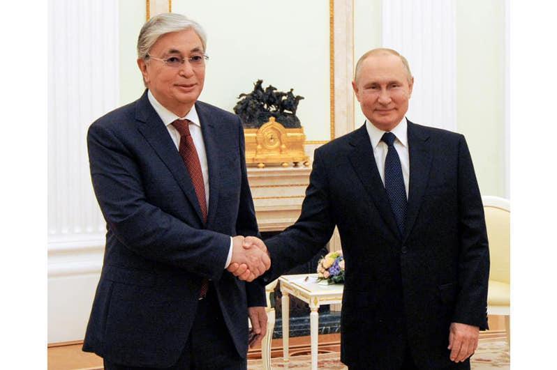 托卡耶夫总统在莫斯科会见俄罗斯总统普京