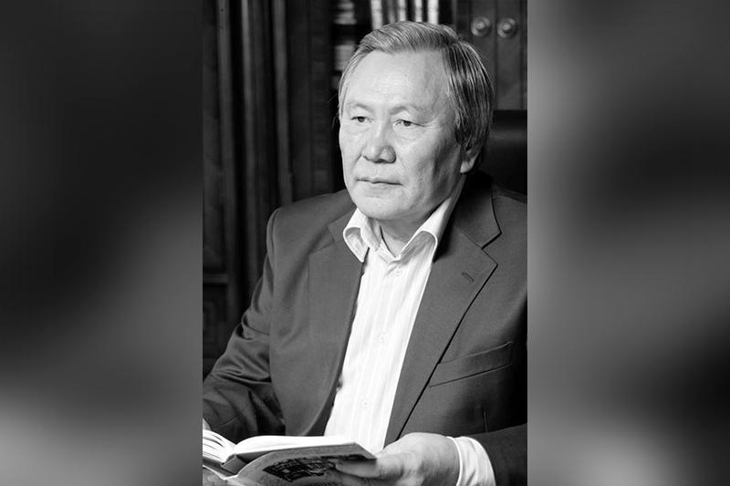 首任总统向已故作家沃拉扎林家属致慰问电