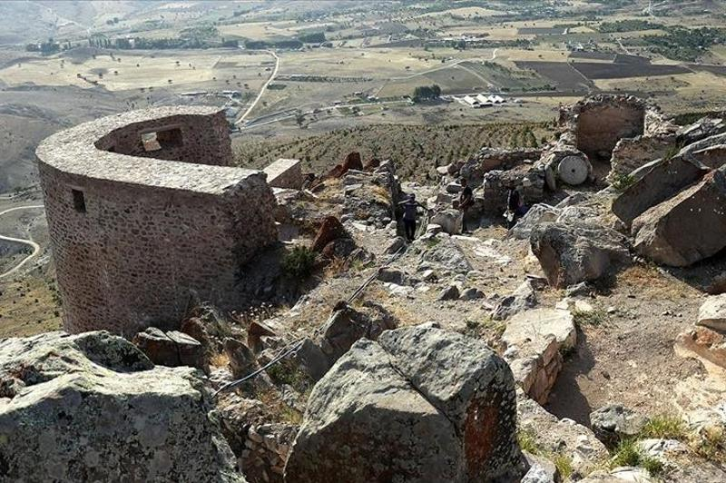 Historic castle gate unearthed in central Turkey