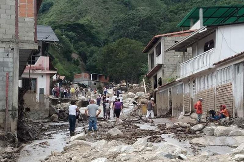 Венесуэладағы су тасқыны: 20 адам қаза тауып, 54 мыңнан астамы зардап шекті