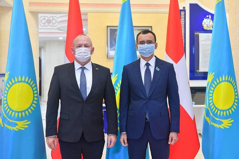 Kazakh Senate Speaker, President of Swiss Federal Assembly's National Council meet