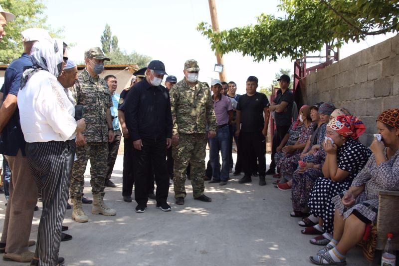 Жители пострадавших от взрывов байзакских сел возвращаются домой