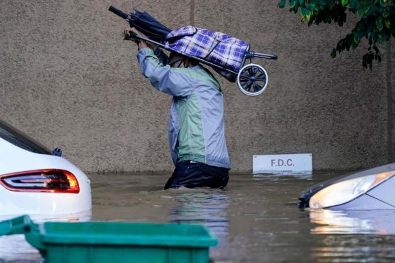 """飓风""""艾达""""已致美国8个州至少60人丧生"""