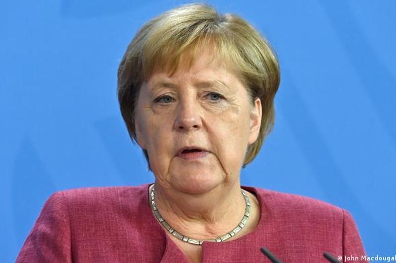 默克尔:德国应与塔利班进行谈判