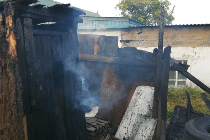 Из-за детской шалости в Семее вспыхнул пожар в доме