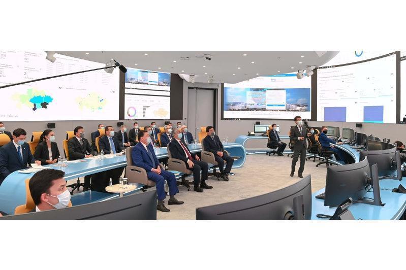 Kazakh President visits Digital Government Office