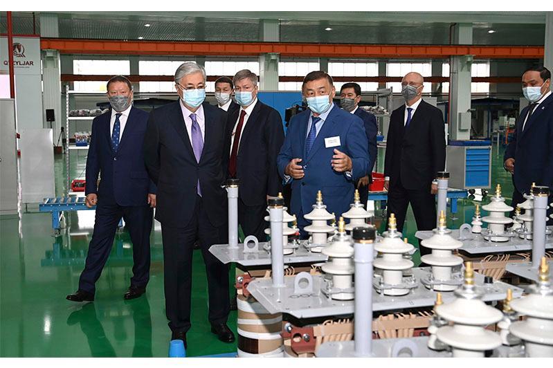 Касым-Жомарт Токаев посетил Петропавловский электротехнический завод «Alageum Electric»