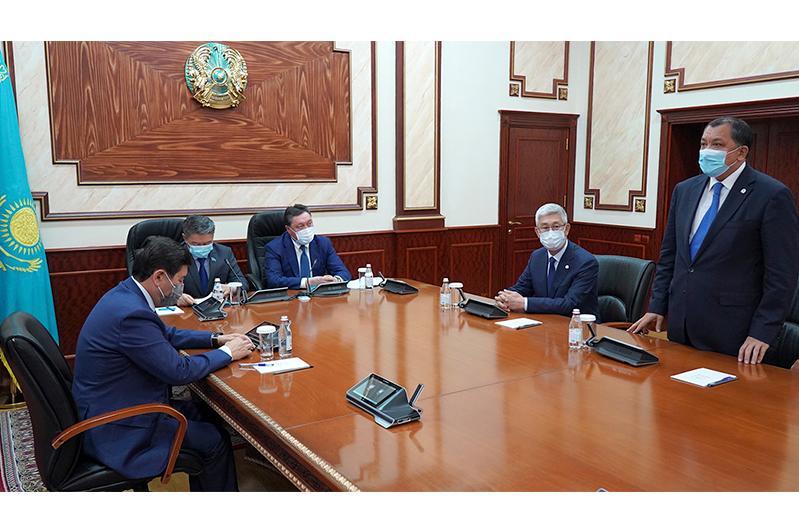 Kazakh PM introduces new Governor of Mangistau region