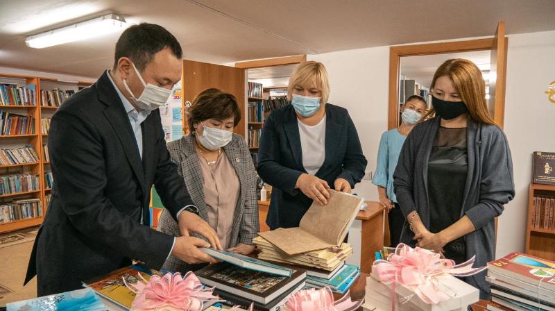 Акция«Ауылыма кітап»: более 200 книг переданы КИОР в сельские библиотеки Акмолинской области