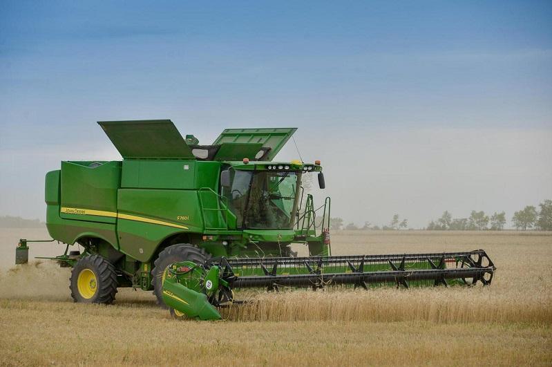 Более 60% зерновых площадей убрано в СКО