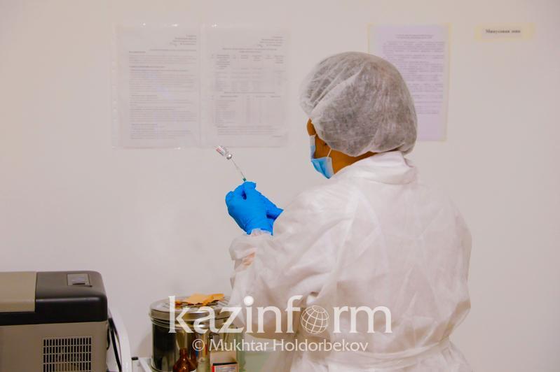 Как будут проверять вакцинацию сотрудников предприятий в Алматы, рассказал Бекшин