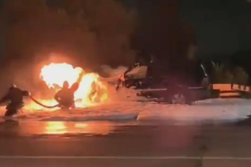Автомобиль сгорел в промзоне Павлодара