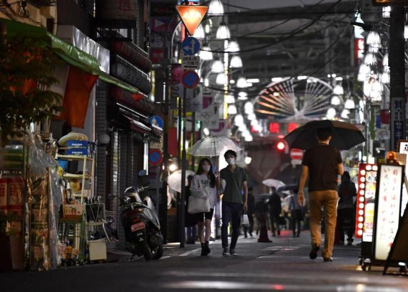 Япония коронавирус туфайли жорий этилган фавқулодда ҳолатни яна узайтирди