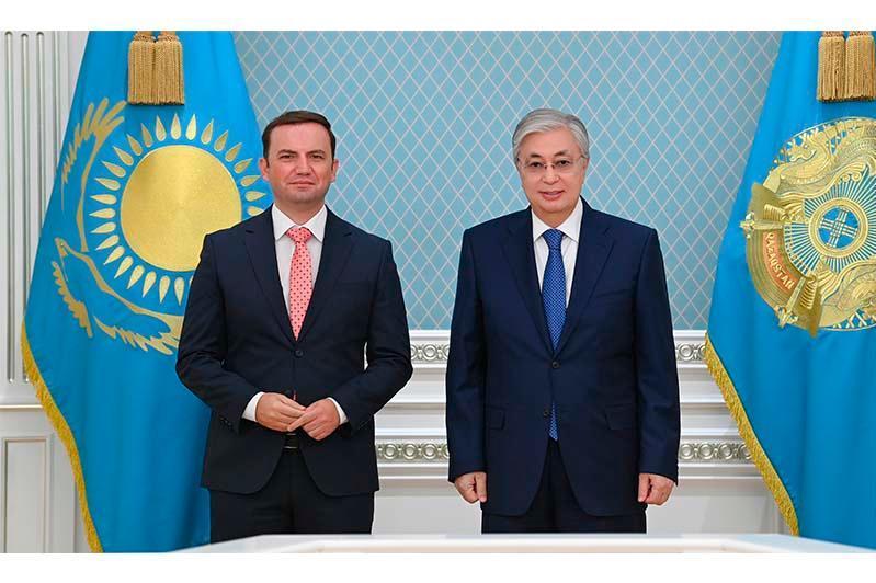 托卡耶夫总统会见北马其顿外交部长