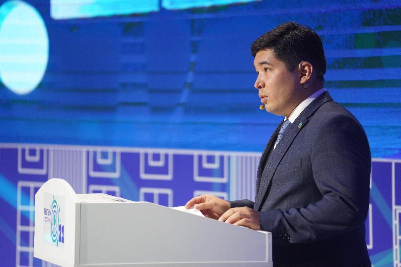 Имена 80 стипендиатов Фонда Нурсултана Назарбаеваназвали на Форуме молодых ученых