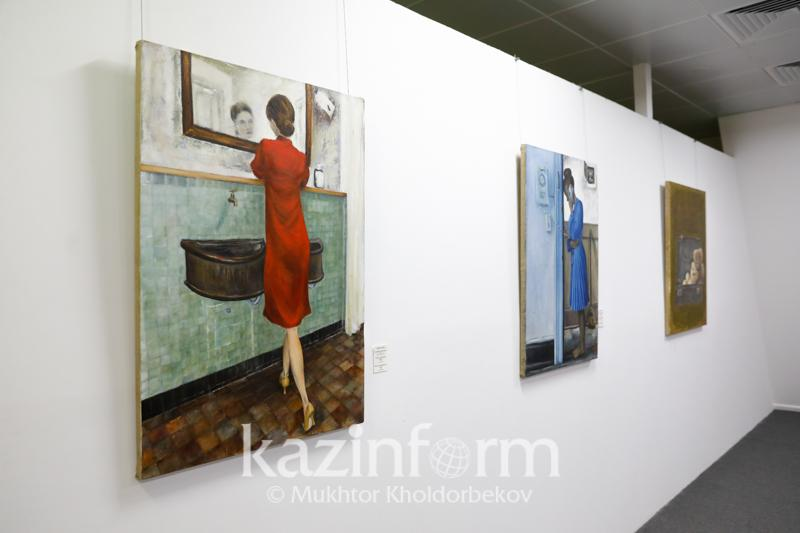 Какие картины раскрывают женский образ в казахстанском искусстве фотографий и живописи