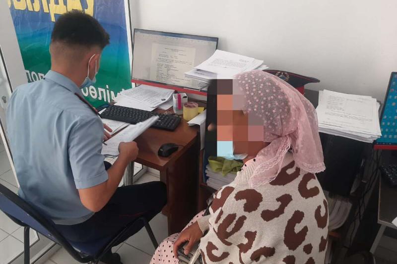 Полмиллиона тенге выманила аферистка у сельчанки в Туркестанской области