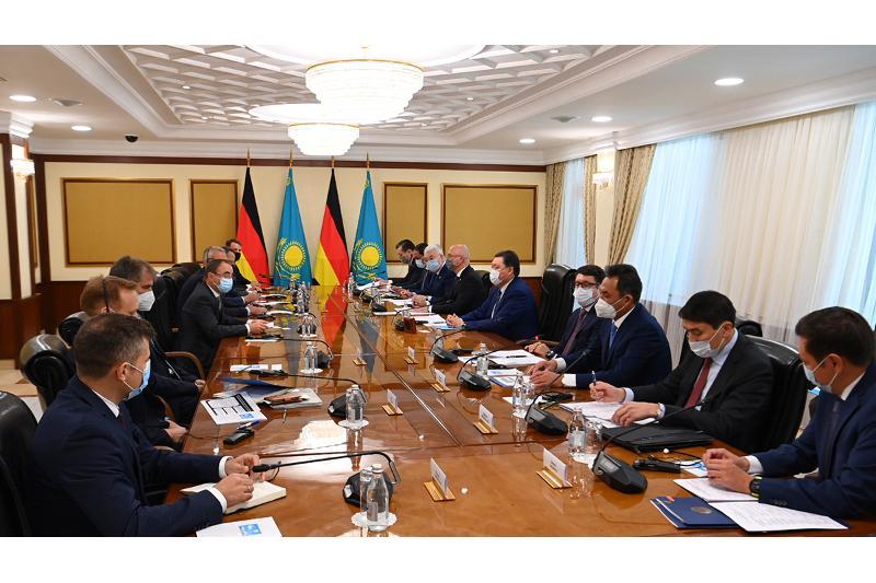 Аскар Мамин обсудил с представителями бизнеса ФРГ реализацию совместных проектов в РК
