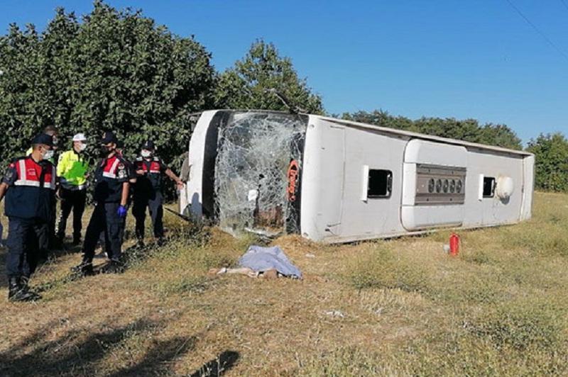 Túrkııada eki avtobýs soqtyǵysyp, 30 adam jaraqat aldy
