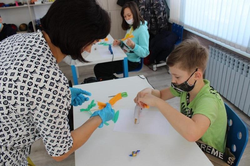 Более 100 бесплатных кружков работают во Дворце школьников Шахтинска