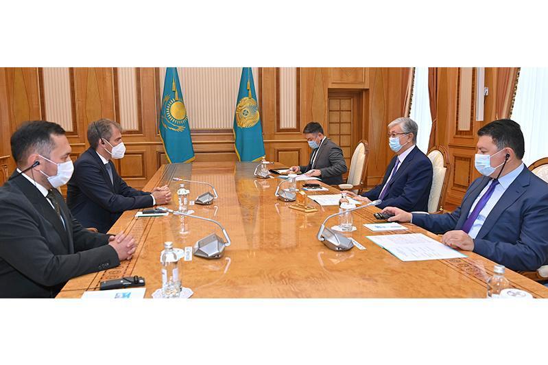 托卡耶夫总统会见林德集团副总裁