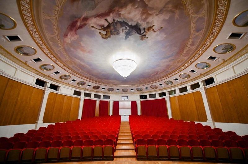 «Астана Опера» театрының Камералық залына Күләш Байсейітованың есімі беріледі