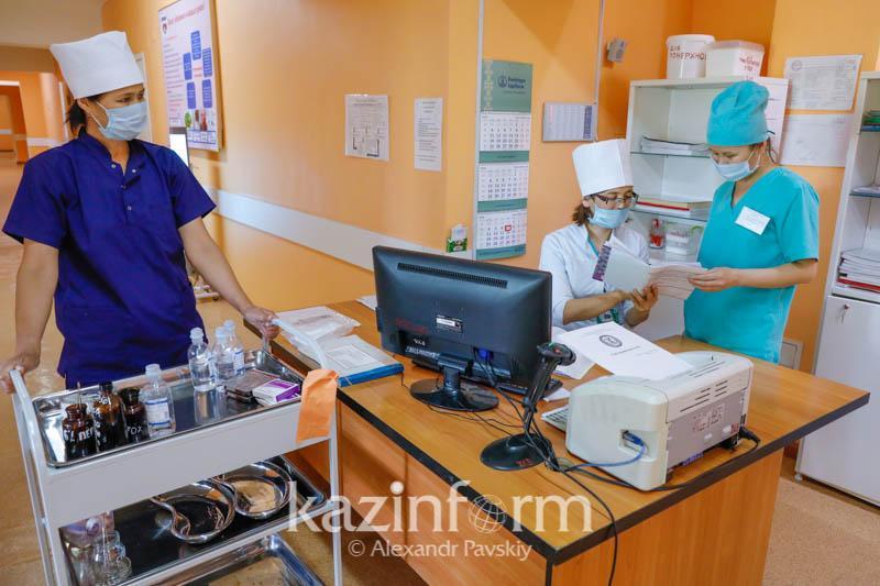 Заболеваемость коронавирусом в Казахстане снизилась на 35%