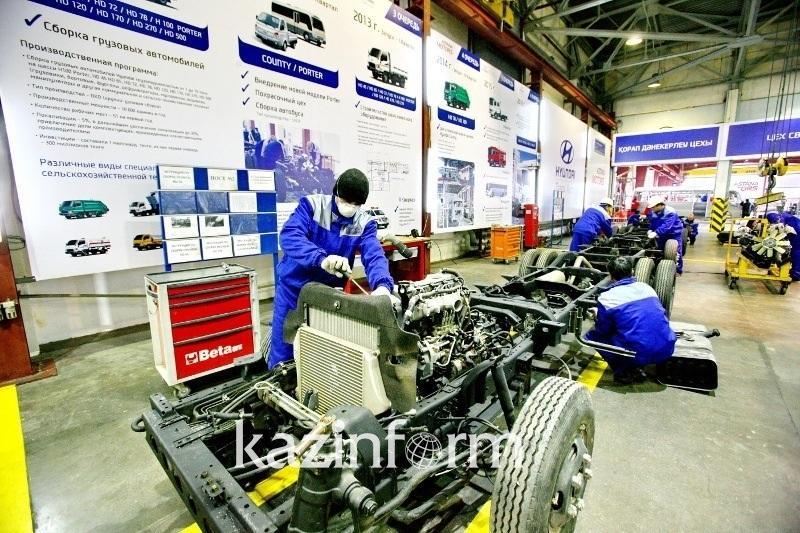 В Казахстане стали больше производить автомобилей, локомотивов и стройматериалов