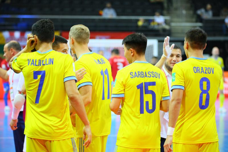 Казахстан сыграет с Литвой на ЧМ по футзалу