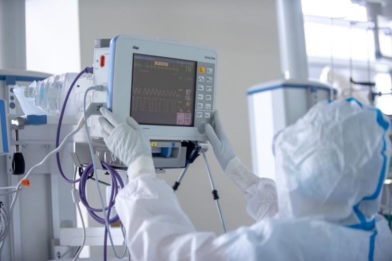 198 пациентов с коронавирусом находятся на ИВЛ - Минздрав РК